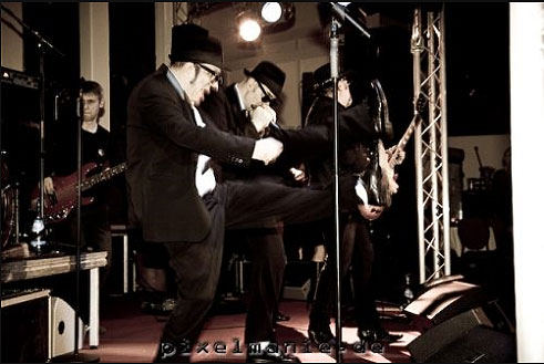 soultrains-blues-brothers31.jpg